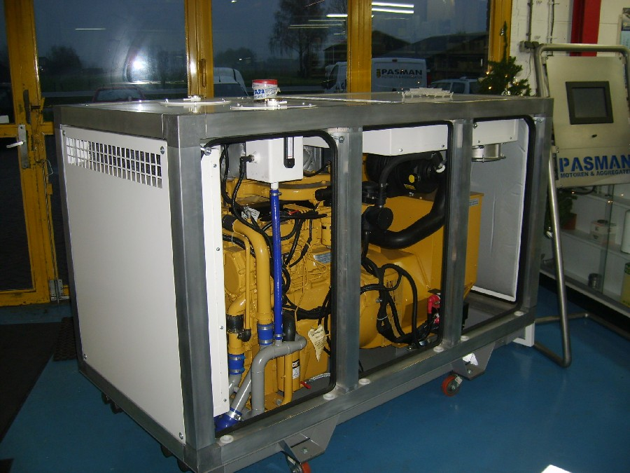 Een superstille omkasting in aanbouw voor een generatorset
