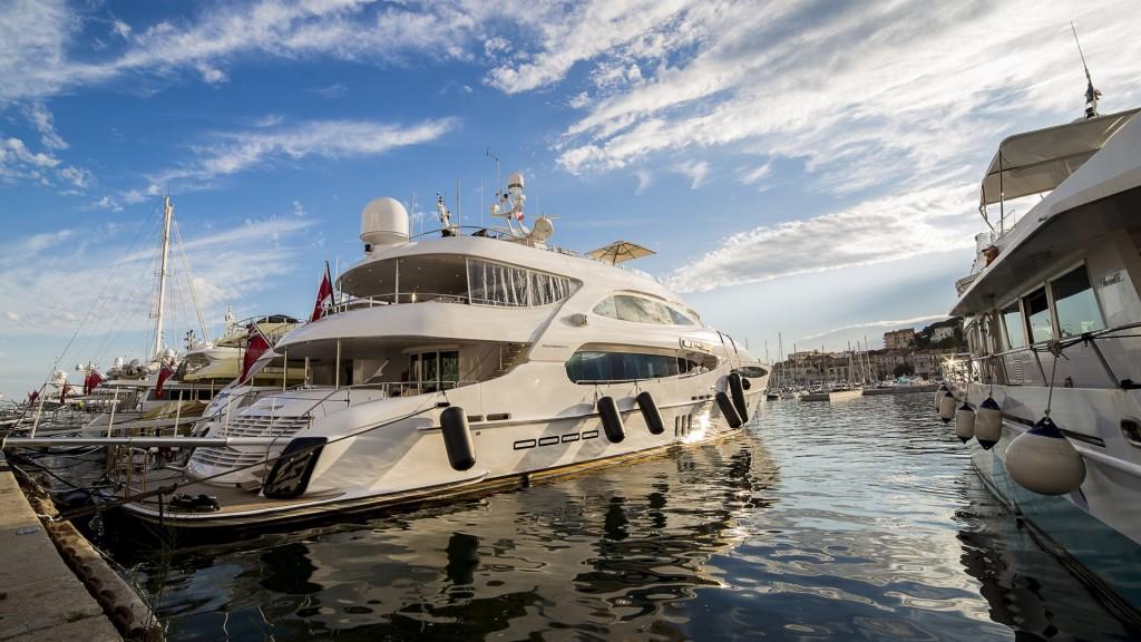 mega jacht 2